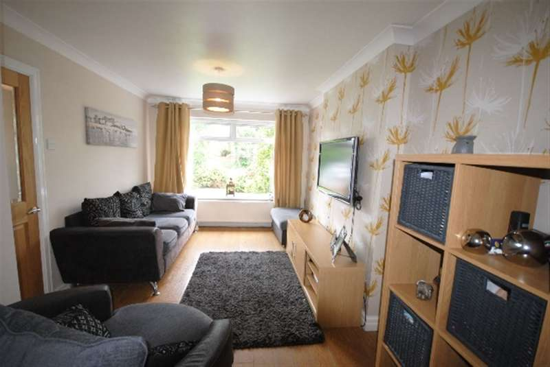 3 Bedrooms Semi Detached House for sale in Kelway Terrace, Whelley, Wigan, WN1