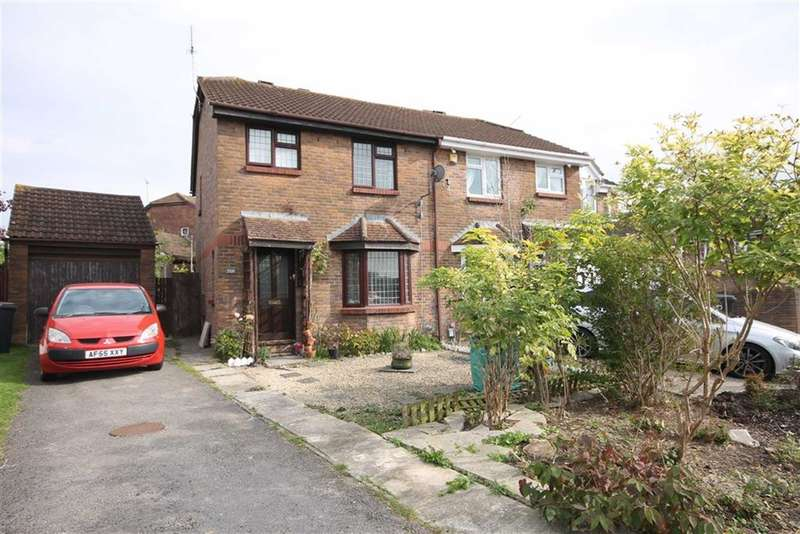 3 Bedrooms Property for sale in Middleleaze Drive, Middleleaze, Wiltshire