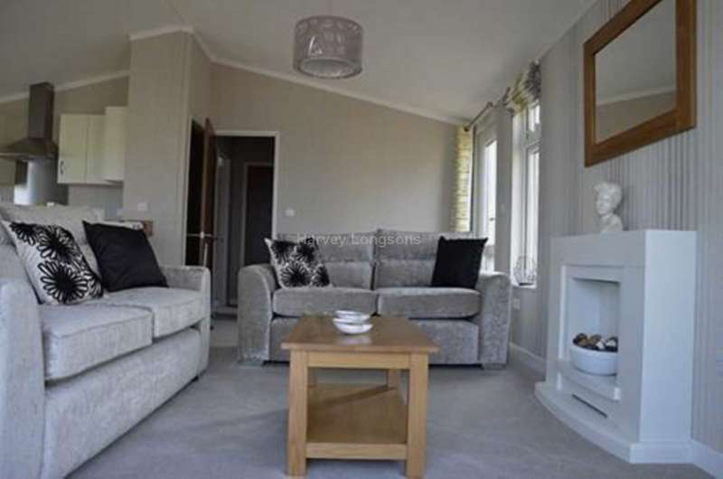 2 Bedrooms Lodge Character Property for sale in Paignton, Devon