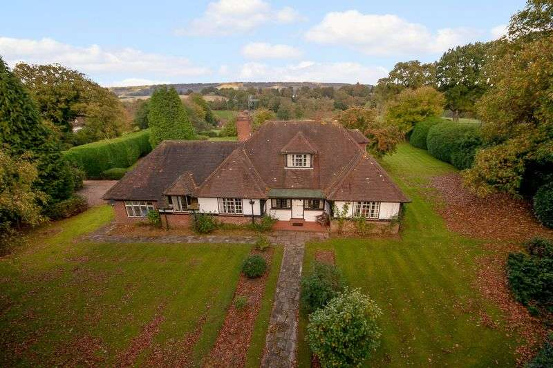 4 Bedrooms Detached House for sale in Woodhouse Lane, Holmbury St Mary