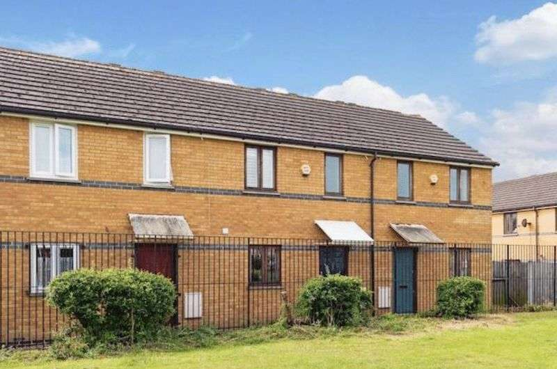 2 Bedrooms Semi Detached House for sale in Odessa Road, London