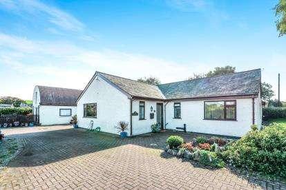 4 Bedrooms Bungalow for sale in Hest Bank Lane, Slyne, Lancaster, Lancashire, LA2