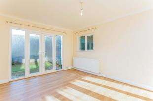 3 Bedrooms Bungalow for sale in Southview Road, Felpham, West Sussex