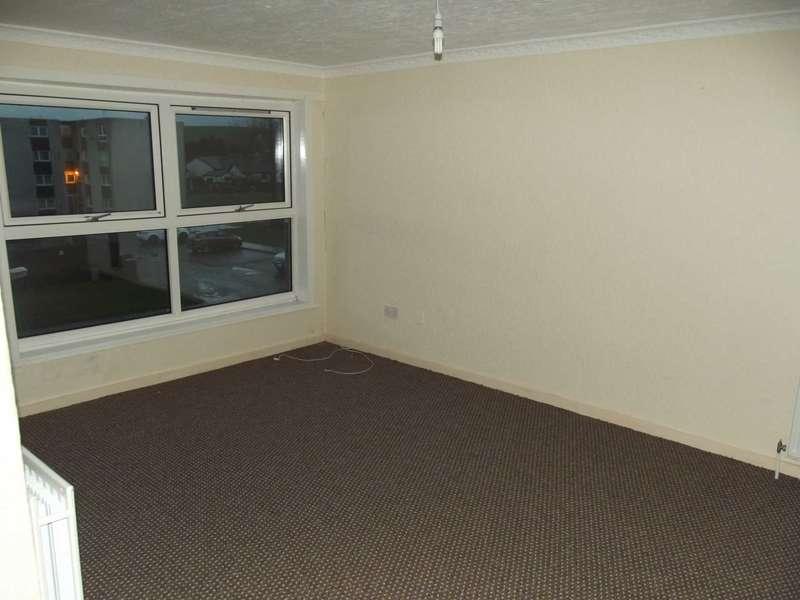 2 Bedrooms Flat for rent in George McTurk Court, Cumnock