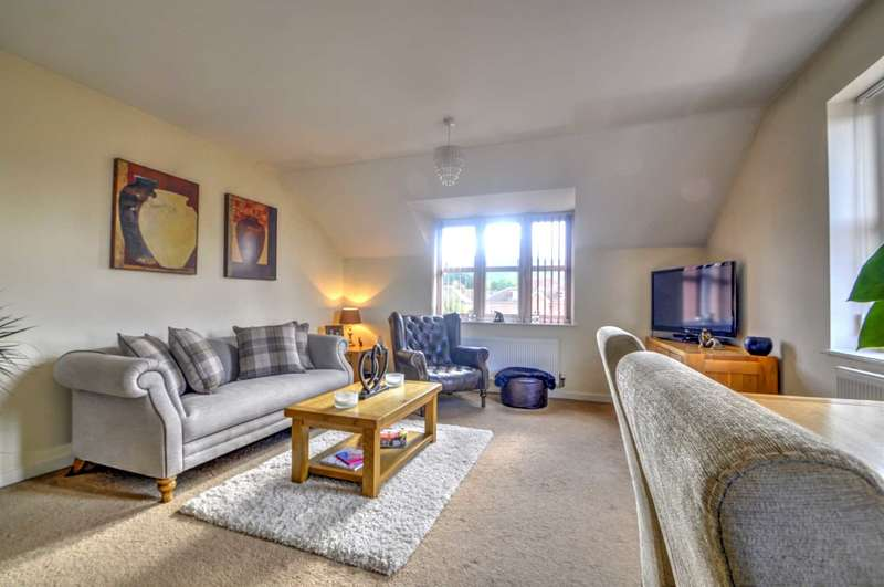 2 Bedrooms Flat for sale in Old Sawmill Place, Chinnor