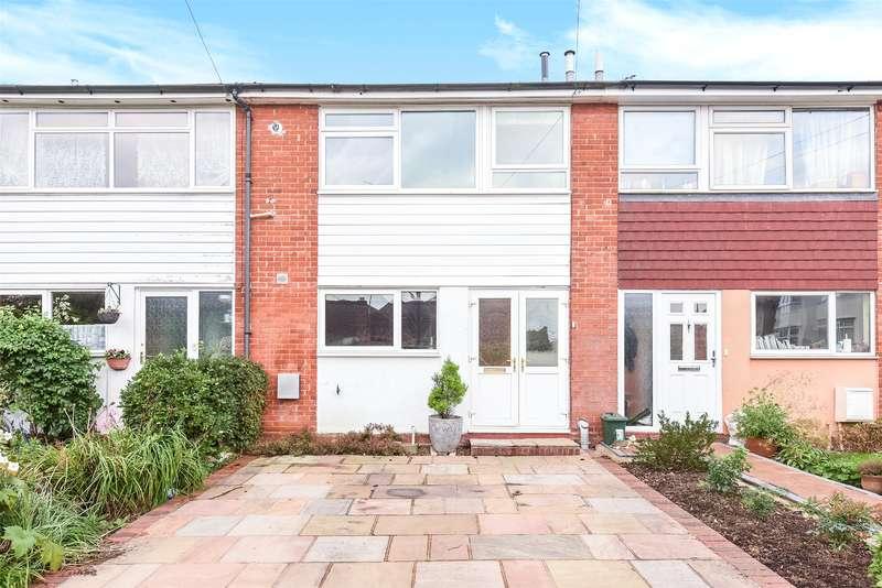 2 Bedrooms Terraced House for sale in Chamberlain Lane, Pinner, Middlesex, HA5