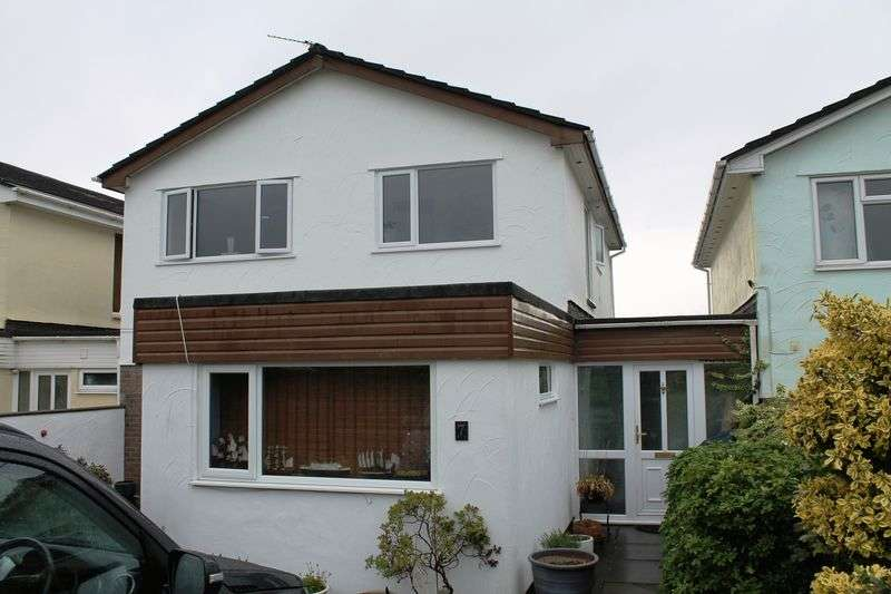 4 Bedrooms Detached House for sale in Fairways View, Forest Hills, Talbot Green, CF72 8JG
