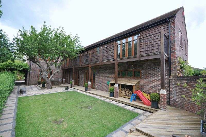4 Bedrooms Detached House for sale in Chalcot, Clay Close, Westbury