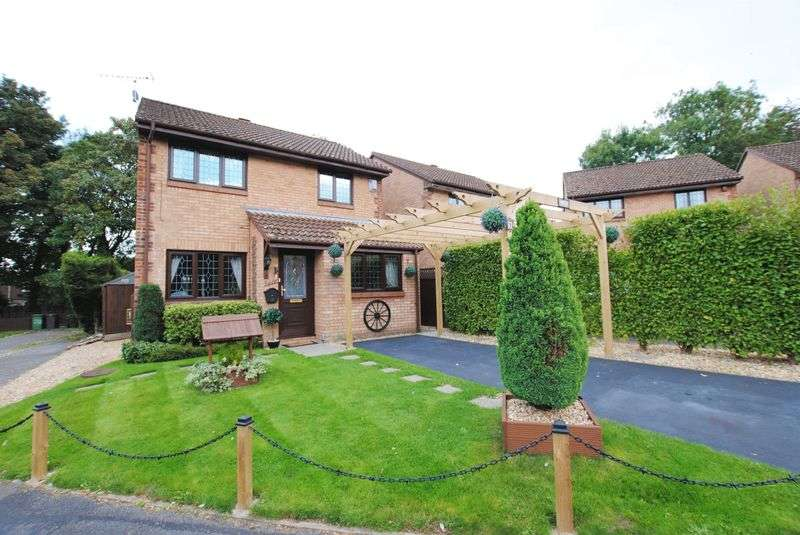 4 Bedrooms Detached House for sale in Barle Close, West End
