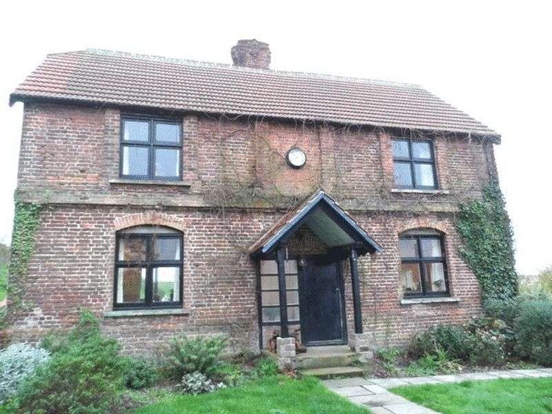 3 Bedrooms Detached House for sale in Layhams Road, KESTON, Kent