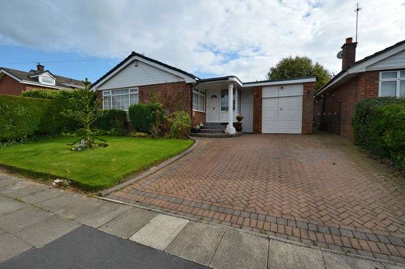 3 Bedrooms Detached Bungalow for sale in Hillsborough Drive, Bury