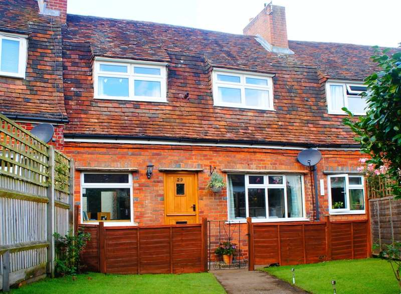 2 Bedrooms Terraced House for sale in The Mint, Godalming, Surrey, GU7