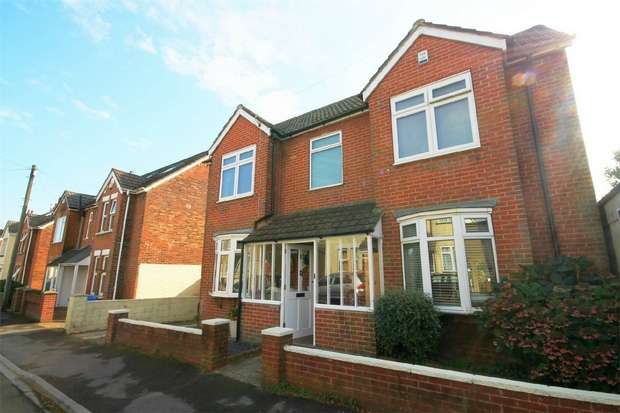 4 Bedrooms Detached House for sale in Penn Hill, Poole, Dorset