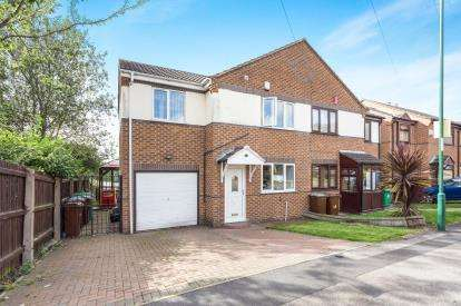 3 Bedrooms Semi Detached House for sale in Britannia Avenue, Nottingham, Nottinghamshire, Basford