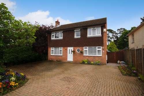 4 Bedrooms House for sale in Glenwood Road, West Moors