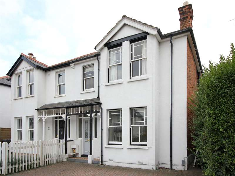 3 Bedrooms Semi Detached House for sale in York Road, Woking, Surrey, GU22