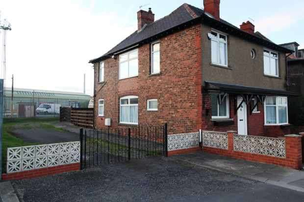 4 Bedrooms Detached House for sale in Beach Road, Saltburn-By-The-Sea, Cleveland, TS13 4EQ
