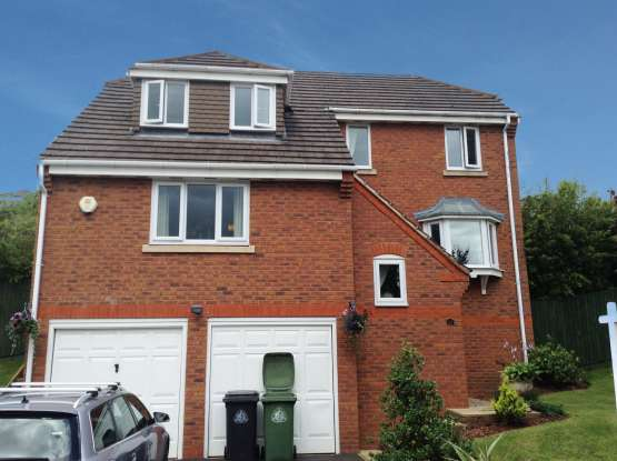 4 Bedrooms Detached House for sale in Wordsworth Drive, Market Drayton, Shropshire, TF9 1ND