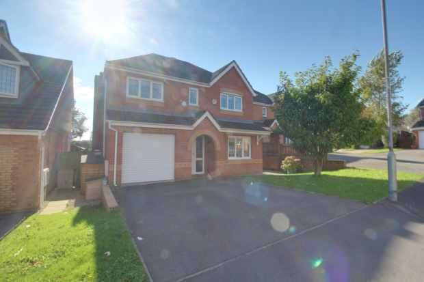 4 Bedrooms Detached House for sale in Maenol Glasfryn, Llanelli, Dyfed, SA14 8SJ