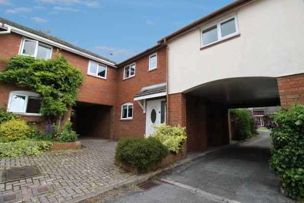3 Bedrooms Semi Detached House for sale in The Cobbles, Northwich, Cheshire, CW8 2XH