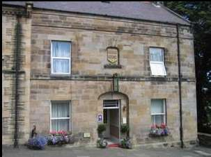 5 Bedrooms Property for sale in Castle Terrace, Morpeth, Northumberland, NE65 0UP