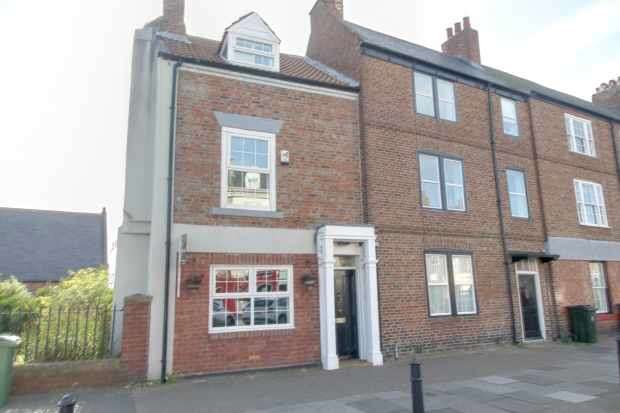 3 Bedrooms Terraced House for sale in Front Street, Tynemouth, Tyne And Wear, NE30 4BX