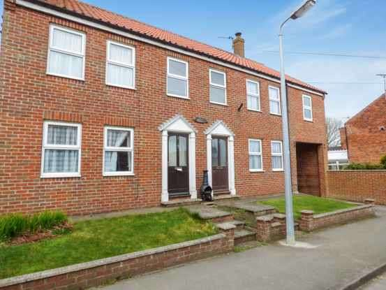 3 Bedrooms Semi Detached House for sale in Maister Cottages, Hull, East Riding, HU12 0TS