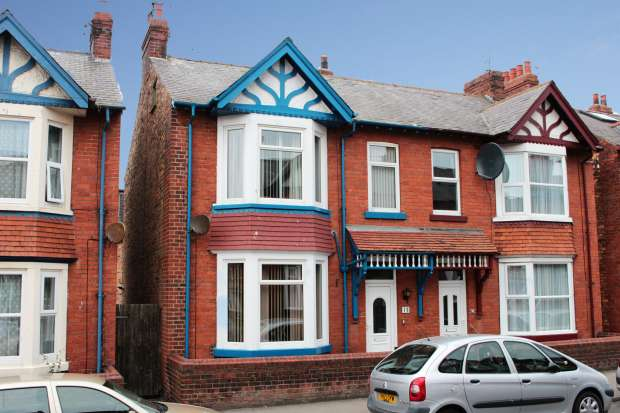 5 Bedrooms Semi Detached House for sale in Tennyson Avenue, Scarborough, North Yorkshire, YO12 7RE