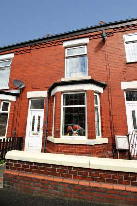 2 Bedrooms Terraced House for sale in Green Street, Hyde, Greater Manchester, SK14 1QX