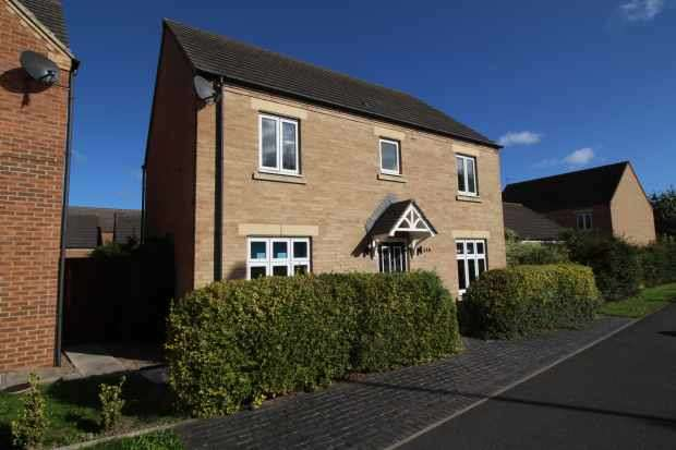 4 Bedrooms Detached House for sale in Darlington Lane, Stockton-On-Tees, Cleveland, TS19 8EJ