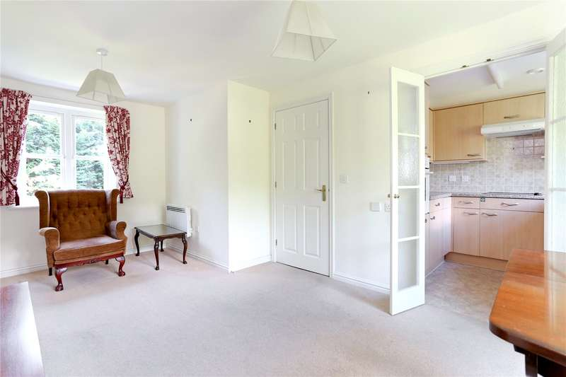 1 Bedroom Flat for sale in Radford Court, Tower Road, Liphook, Hampshire, GU30