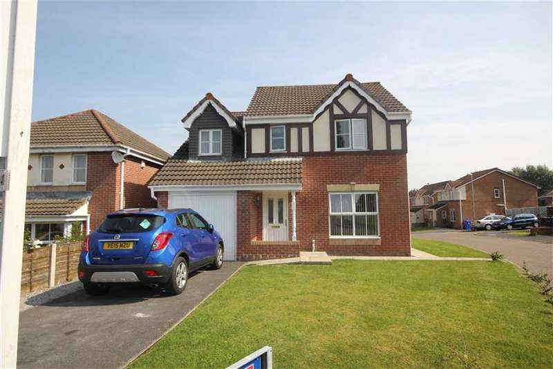 4 Bedrooms Property for sale in Greendale Drive, Radcliffe