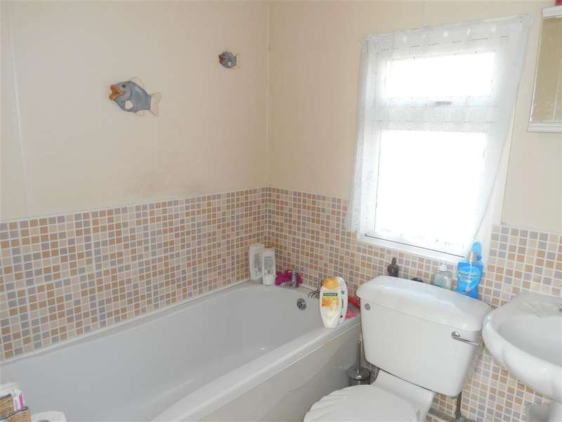 1 Bedroom Mobile Home for sale in Lower Dunton Road, Brentwood, Essex