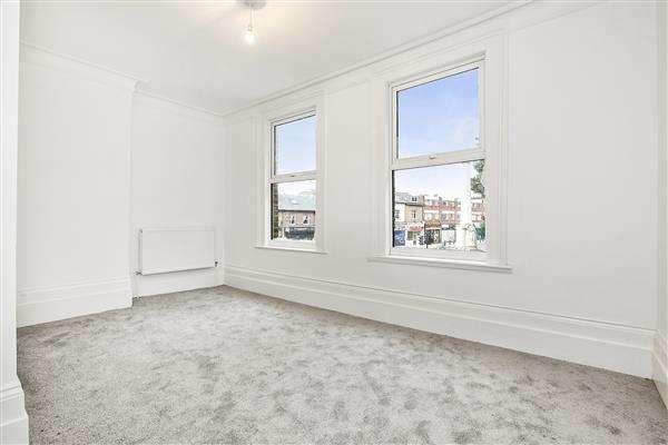 1 Bedroom Flat for sale in The Parade, Upper Brockley Road, Brockley