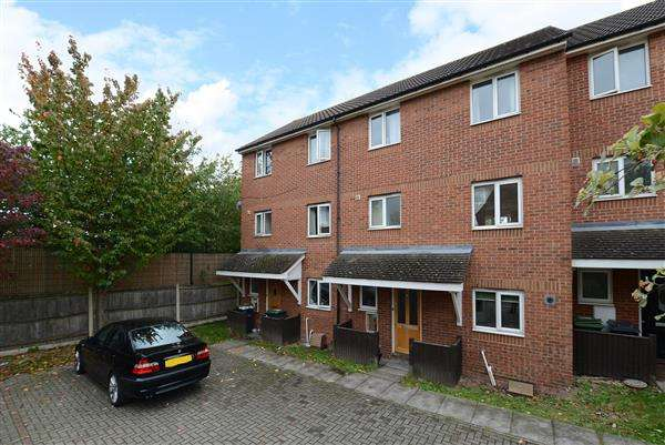 4 Bedrooms Terraced House for sale in Hospital Way, Hither Green