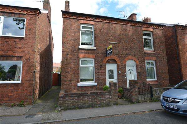 2 Bedrooms Semi Detached House for sale in Ledward Street, Winsford
