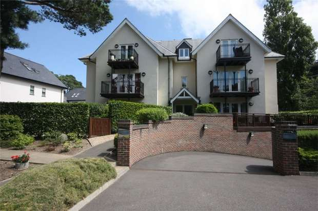 2 Bedrooms Flat for sale in Delphina Chase, 65 Haven Road, Canford Cliffs, Poole
