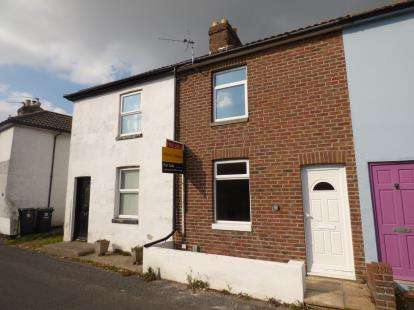 3 Bedrooms Terraced House for sale in Hayling Island, Hampshire