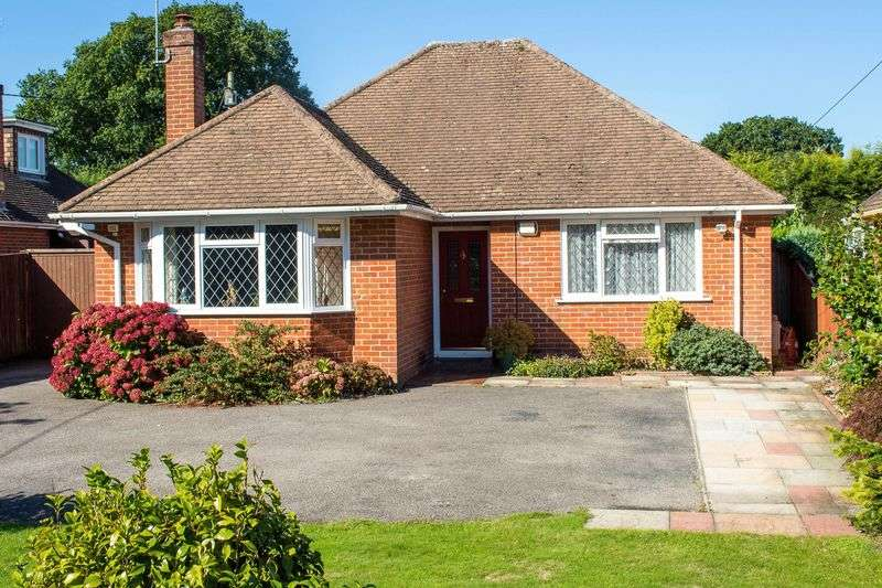 4 Bedrooms Detached Bungalow for sale in Pooks Green