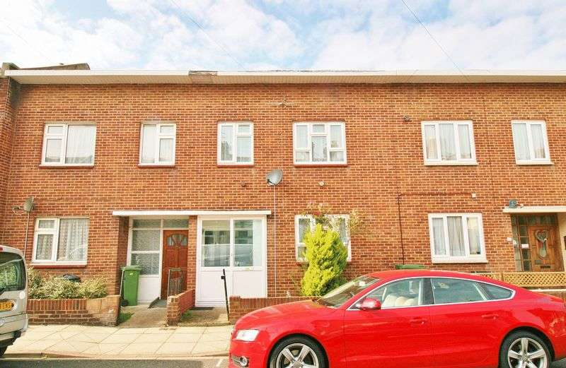 3 Bedrooms Terraced House for sale in St. Augustine Road, Southsea