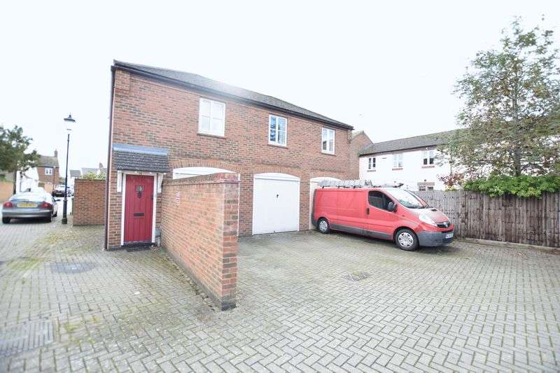 1 Bedroom Property for sale in Howletts Close, Aylesbury