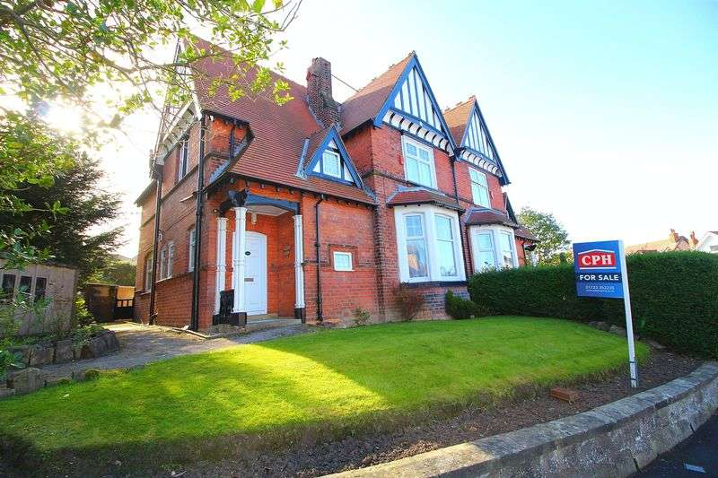 5 Bedrooms Semi Detached House for sale in Fulford Road
