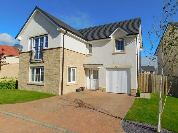 4 Bedrooms Detached House for sale in Millcraig Mews, Main Street , Winchburgh, EH52