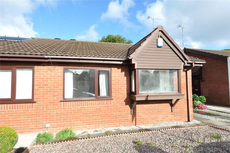 2 Bedrooms Semi Detached Bungalow for sale in Summertrees Close, Greasby, Wirral