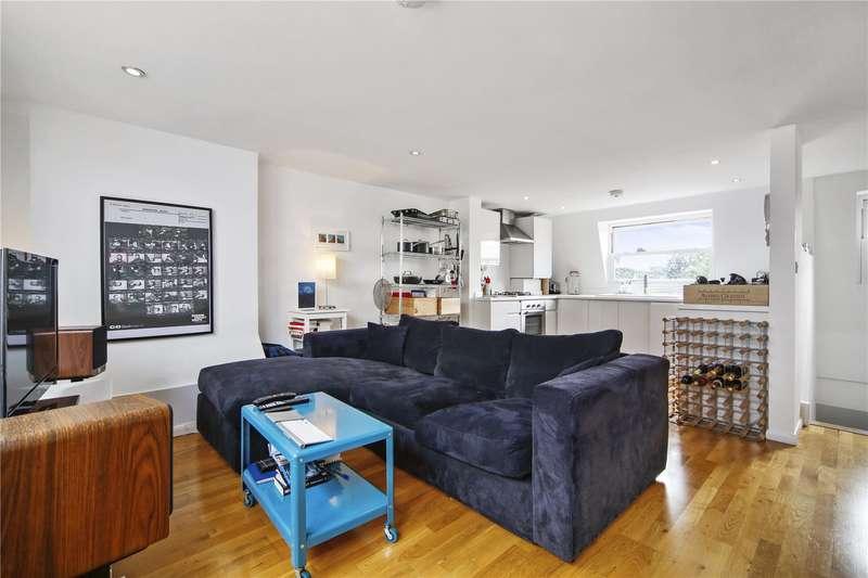 3 Bedrooms Flat for sale in Hornsey Road, London, N7