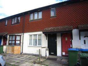 1 Bedroom Flat for sale in Hampstead Close, London