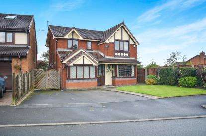4 Bedrooms Detached House for sale in Meadowbank, Limehurst Estate, Ashton Under Lyne, Greater Manchester