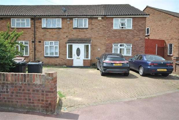 8 Bedrooms End Of Terrace House for sale in Stansgate Road, Dagenham