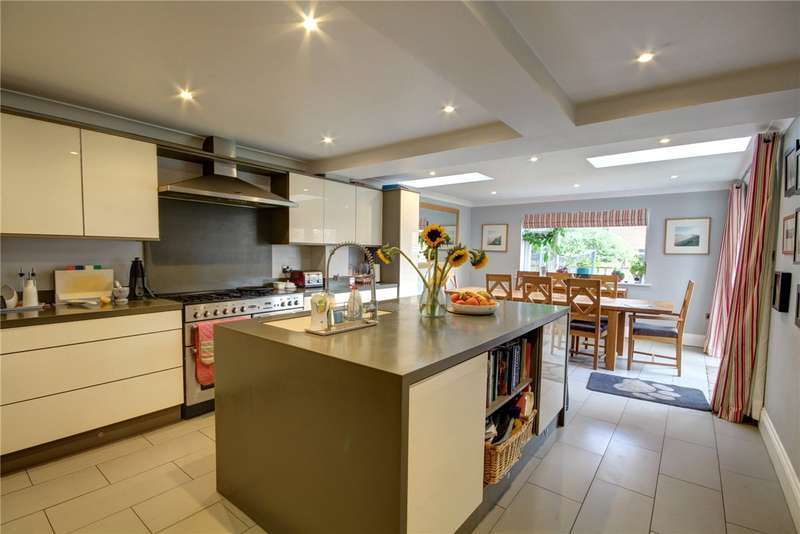 5 Bedrooms Detached House for sale in Foxton Way, High Shincliffe, Durham, DH1
