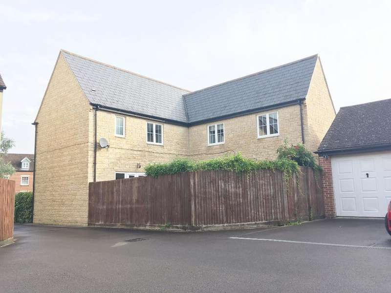 4 Bedrooms Detached House for sale in Cassini Drive, Oakhurst, Swindon, Wiltshire, SN25 2LW